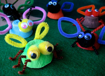 egg-cup-insects-spring-craft