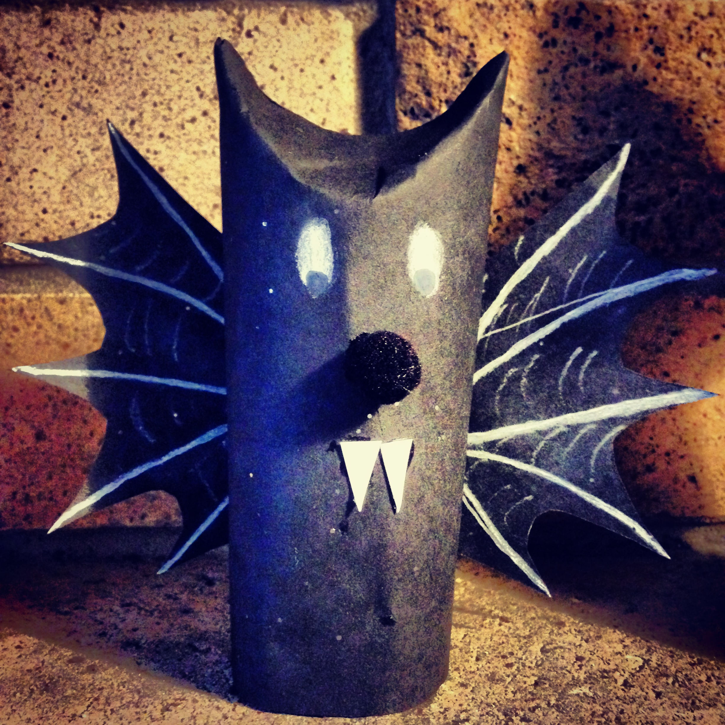 Recycled Halloween Decorations: Chipper Recycle Crafts: Halloween Decorations